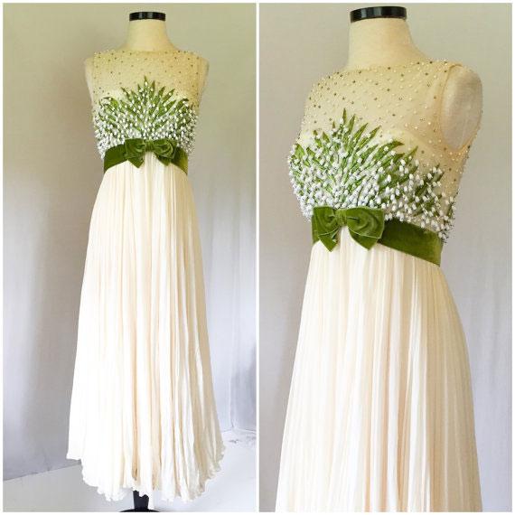 ivoryandgreenweddingdress